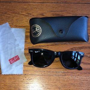 Ray-Ban Wayfarer polarized glasses